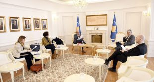 Kryetari Thaçi, bisedoi me drejtorin e Institutit Kombëtar për Shëndetësi Publike, Naser Ramadani, lidhur me koronavirusin