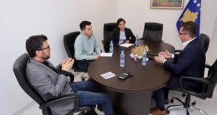 Ministri i Bujqësisë, Besian Mustafa, diskutoi për sfidat e sektorit të qumështit