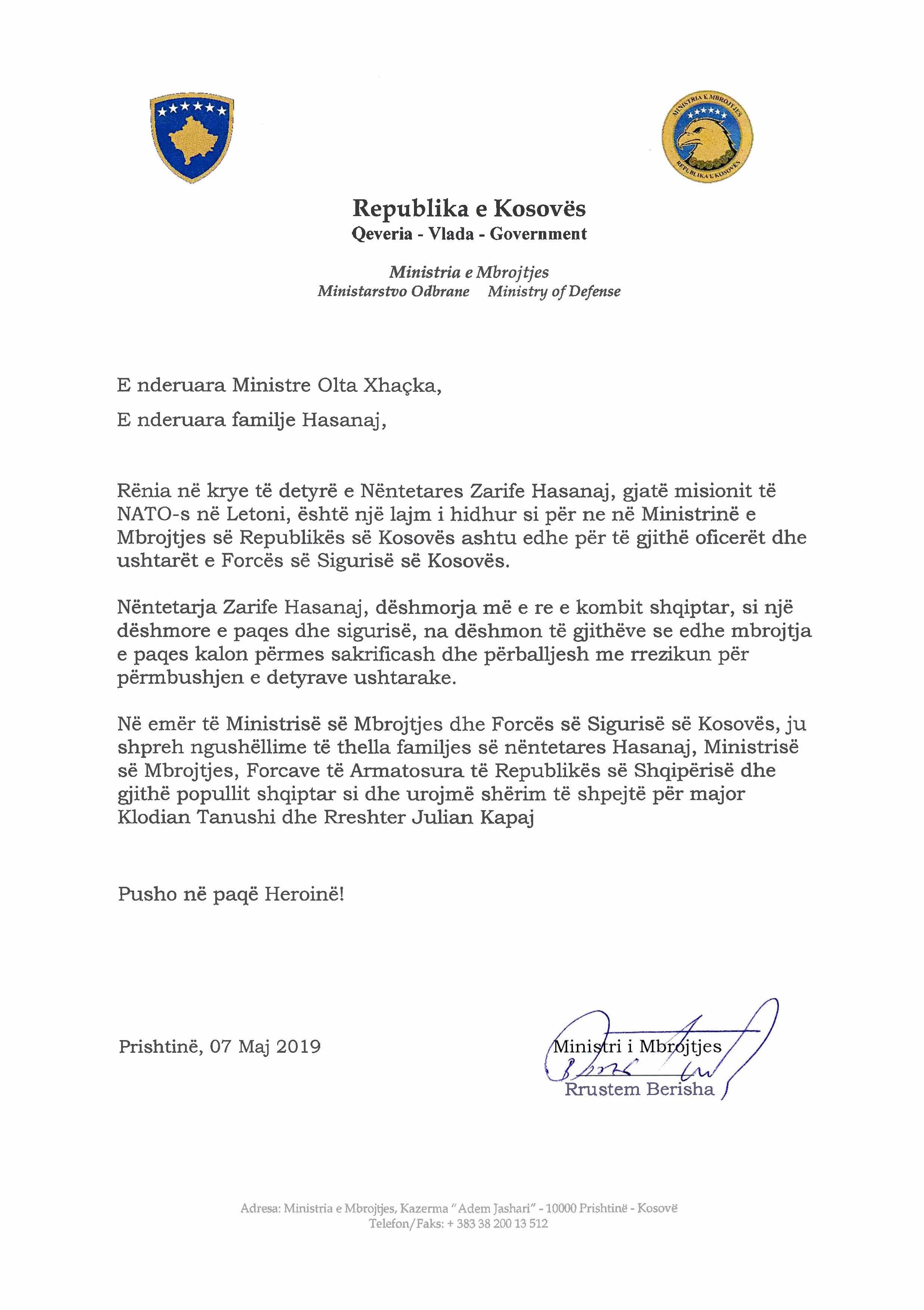 Ministri Berisha i dërgoi telegram ngushëllimi ministres, Olta Xhaçka dhe familjes së ushtarakes, Zarife Hasanaj
