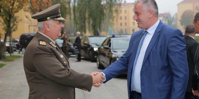 Ministri, Rrustem Berisha vizitoi kadetët e FSK-së në Akademinë Ushtarake në Kroaci