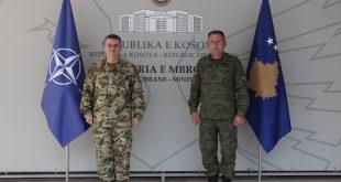 Komandanti i FSK-së, Rrahman Rama, priti në takim komandantin e ri të KFOR-it, gjeneral major Ferenc Kajári