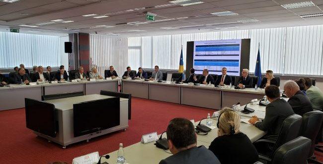 Kadri Veseli: Është turp që rinia kosovare, thesari ynë, të mos ketë të drejtën për të parë Europën dhe botën