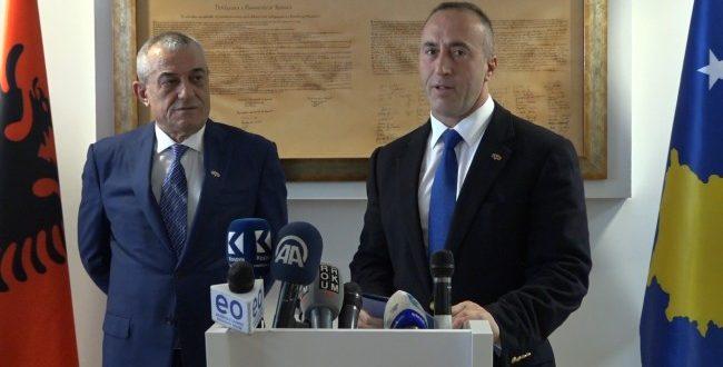 Gramoz Ruçi e uron Ramush Haradinajn, për rizgjedhjen e tij në krye të partisë Aleanca për Ardhmërinë e Kosovës