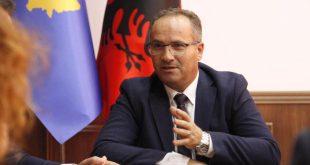 Vesel Krasniqi e pranon detyrën e Ministrit të Tregtisë dhe Industrisë