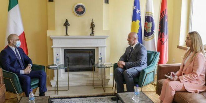Kryetari i AAK-së Ramush Haradinaj, ka biseduar me ambasadorin e Italisë, Nicola Orlando