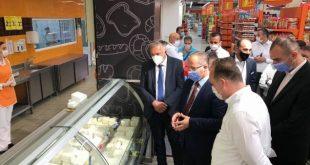 Ministri Krasniqi inspekton operatorët ekonomik për të parë zbatueshmërinë e masave anti COVID-19