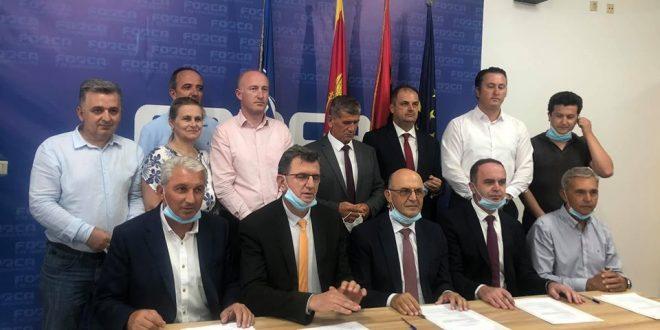 Pesë partitë shqiptare në Mal të Zi kanë firmosur marrëveshjen për koalicion për zgjedhjet e 30 gushtit