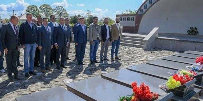 Haradinaj: Në javën e dytë të gushtit 1998, u përjetësuan shumë bashkëluftëtarë të zot dhe të orëve të para të luftës