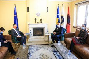 Haradinaj takohet me shefin e EULEX-it, Lars-Gunnar Wigemark, diskutojnë për zhvillimet në vend