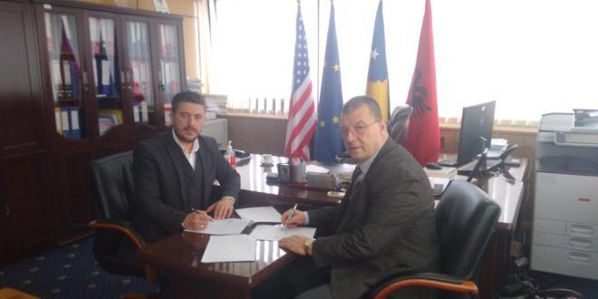 """Arrihet memorandum bashkëpunimit në mes të KRU """"Prishtina"""" dhe Kolegjit BIZNESI në Prishtinë"""