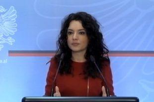 Elisa Spiropali: Me fytyrat e maskat e tyre në protesta, nuk ai dalin të krijojnë besimin e publikut, në rrugën e tyre të shëmtuar