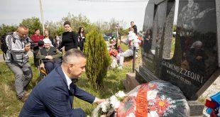 Në Kopiliq të Epërm përkujtohet dëshmori i kombit Gazmend Zeqiri në 22 vjetorin e rënies heroike të tij