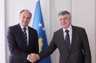 Zëvendëskryeministri i Kosovës, Enver Hoxhaj, ka zhvilluar një takim me ambasadorin e Francës, Didier Chabert