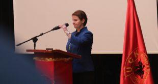 """Elmije Plakiqi: Libri, """"Zëri i lirisë"""" është një pasqyre reale e besnike e punës dhe veprimtarisë së Radios-Kosova e Lirë"""