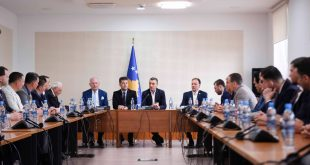 "Kryeparlamentari Veseli takoi delegacionin e Batalionit ""Atlantiku"""