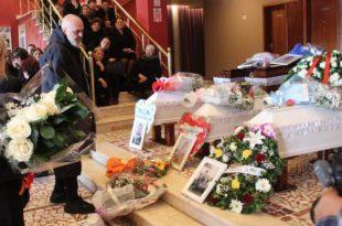 Sot u është dhënë lamtumira e fundit familjes Lala të cilët u shuan nga jeta, pas tërmetit të rënë më 26 nëntor