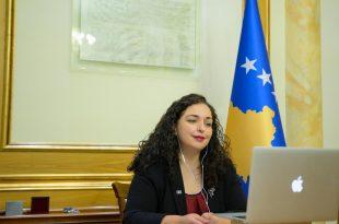 Kryetarja e Kuvendit, Vjosa Osmani, merr pjesë në Forumin Ndërkombëtar të Liderëve, që po mbahet në Shtetet e Bashkuara