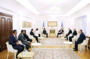 Kryetari Thaçi e pret në takim një delegacion të komunitetit egjiptian të drejtuar nga deputeti, Veton Berisha