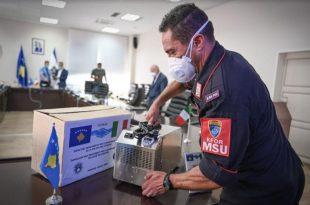KFOR-i italianë e mbështetë Policinë e Kosovës me pajisje kundër pandemisë se virusit korona