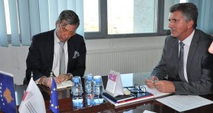 Drejtori i Përgjithshëm i ATK-së Sakip Imeri, ka pritur në takim ambasadorin e Gjermanisë në Kosovës, Christian Heldt