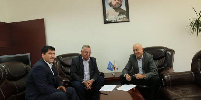 Jashari: Bashkëpunimi ndërmjet Komunës së Skenderajt dhe Qeverisë së Kosovës është në nivel të kënaqshëm