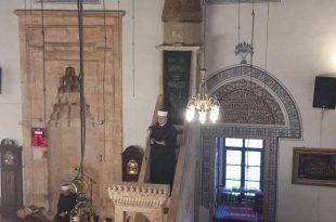 Në Xhaminë e Madhe në Prishtinë sot është mbajtur ceremonia kryesore e faljes se namazit të Kurban Bajramit