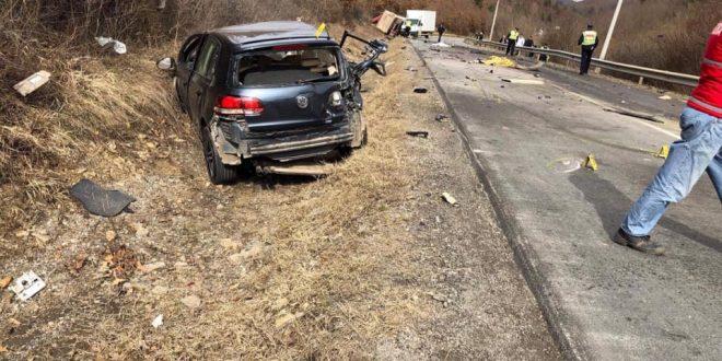 Katër qytetarë kanë gjetur vdekur dje nga dy aksidente, 15 janë mbytur në dy muajt e fundit në komunikacion
