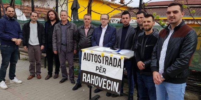 Avdullah Hoti ka nënshkruar peticionin e nisur nga këshilli i qytetarëve në Rahovec lidhur me autostradën e Dukagjinit