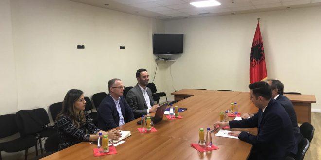Ka përfunduar takimi i grupeve punuese Vetëvendosje-LDK, ku u diskutua për qeverinë me 12 ministri