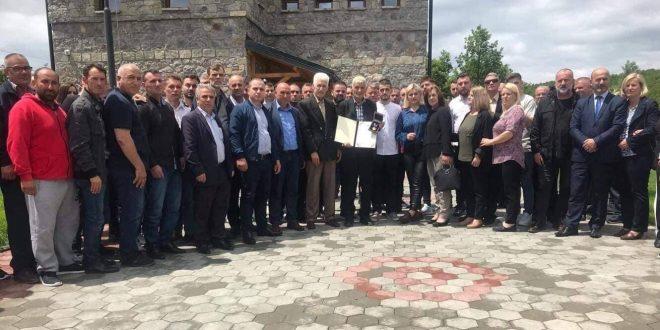 Dëshmori i kombit, Ibrahim Fejzullahu dekorohet nga kryetari i vendit me me urdhërin Hero i Kosovës
