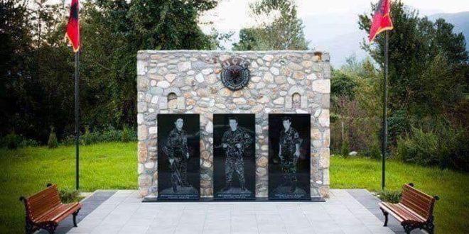 Sot në Deçan nderohen dëshmorët e kombit, Rexhep Mazrekaj, Selmon Dukaj, Ahmet Baqaj dhe Ahmet Baqaj
