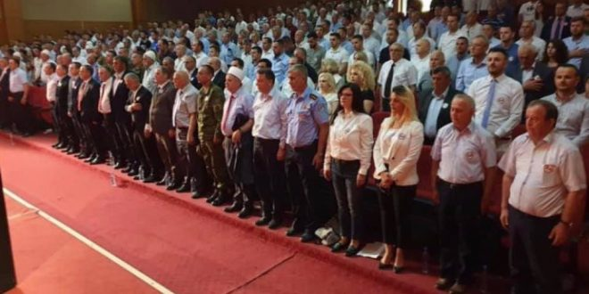 Krasniqi: Në këtë ditë i kujtojmë dhe i falenderojmë të rënët për liri ku falë gjakut të tyre, Kosova gëzon e feston