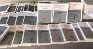 """Zëvendësministrja e MZhR-së, Magbule Shkodra i dhuron rreth 300 ekzemplarë për bibliotekën e Universitetit """"Kadri Zeka"""" në Gjilan"""