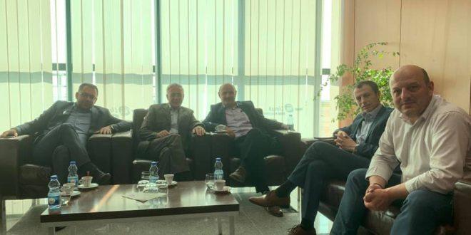 Ish-kryekuvendari, Jakup Krasniqi, sot është nisur për në Hagë, ku do të intervistohet nga Gjykata Speciale