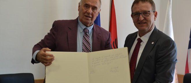 Rektori, Artan Nimani priti në takim humanistin dhe veprimtarin e shquar shqiptaro-amerikan, z. Ramiz Tafilaj