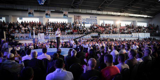 Kandidati i PDK-së për kryeministër të Kosovës, Kadri Veseli, ka mbajtur një tubim elektoral në Drenas