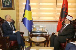 Myftiu i Kosovës, Naim Tërnava, ka pritur në takim ambasadorin e Norvegjisë, Jens Erik Grondal
