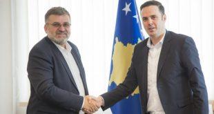 Blerim Kuçi, ka pranuar detyrën e ministrit të Ambientit, nga ish ministri i Infrastrukturës, Lumir Abdixhiku