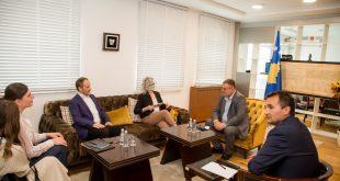 Ministri i Ekonomisë, Blerim Kuçi priti përfaqësuesit e Millennium Foundation Kosovo
