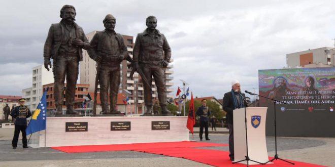Besarta Jashari: Në mes dhimbjes për tragjedinë në Durrës, populli ynë dëshmoj se 28 Nëntori është i veçantë