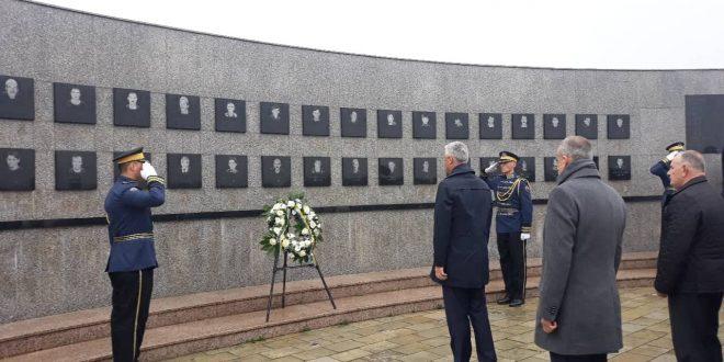 Kryetari Thaçi: Masakra e Reçakut është pika kulmuese e masakrave të kryera nga shteti i Serbisë në Kosovë
