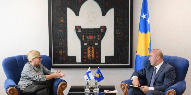Kryeministri i vendit, Ramush Haradinaj ka pritur në takim ambasadoren e Finlandës në Kosovë, Pia Stjernvall