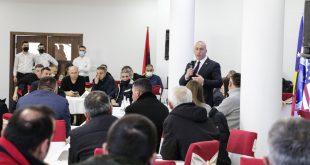 Ramush Haradinaj: Të gjitha partitë politike duhet bashkuar, ashtu siç kanë ditur të bashkohen shqiptarët në ditë të vështira
