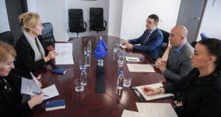 Kryeministri i vendit, Ramush Haradinaj ka pritur sot në takim shefen e BE-së në Kosovë, Natalyia Apostolova