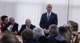 Ramush Haradinaj insiston në mbajtjen e taksës 100%, thotë nëse hiqet, shumë punëtorë do të mbesin pa punë