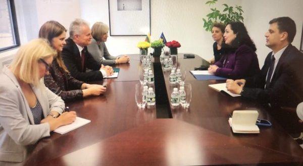Vjosa Osmani: Politika agresive serbe e nxitur nga politika ruse, paraqet kërcënim për sigurinë rajonale