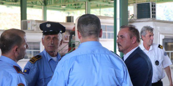 Mustafa: Kalimi i qytetarëve nga Kosova në Shqipëri dhe anasjelltas po realizohet me procedura të lehtësuara