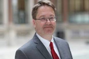 Ambasadori i ri i Britanisë, Nicholas Abbott pati shumë pyetje delikate për kryeprokurorin, Aleksandër Lumezi