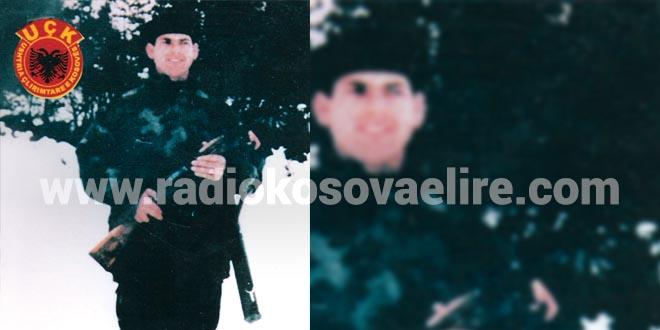 Dëshmori i kombit, Agron Rama, është i lindur në fshatin Smolicë të Rekës së Keqe, komuna e Gjakovës, më 10 gusht 1972. Shumë herët mbeti pa babë