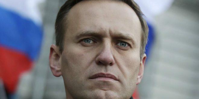 Kundërshtari i Putinit, Alexei Navalny dënohet në Rusi me tre vjet e gjysmë burg